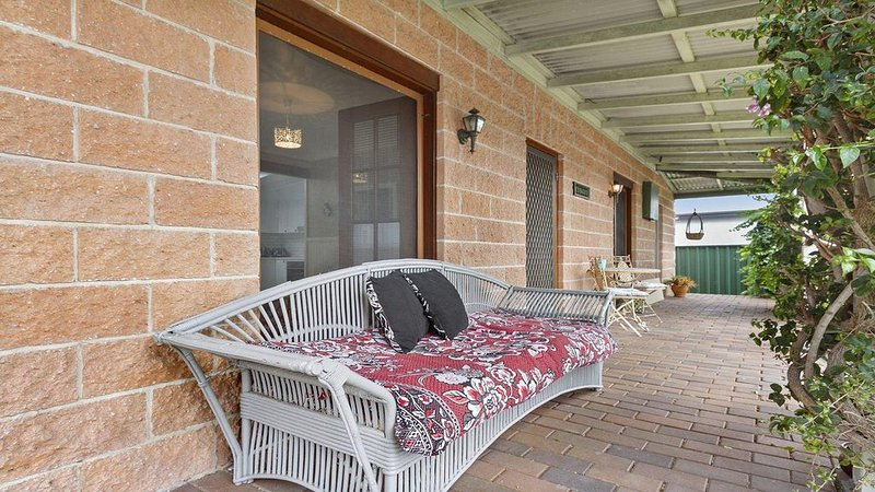 Cudgee - quaint cottage with separate cabin, casa vacanza a Currarong