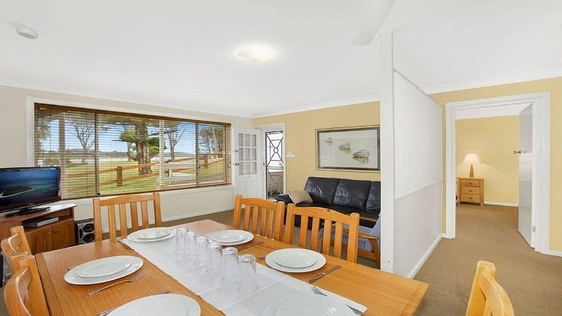 Ocean Blue Apartment Five - ground floor apartment, casa vacanza a Currarong