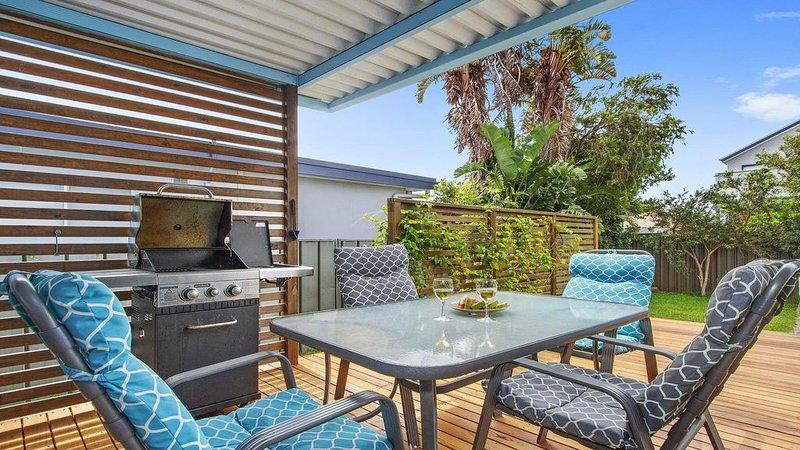 Sea Shack - renovated 1950's beach house, casa vacanza a Currarong