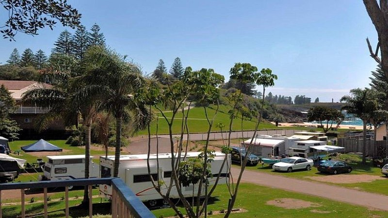 Beachside Getaway - 150 metres to beach, vacation rental in Kiama