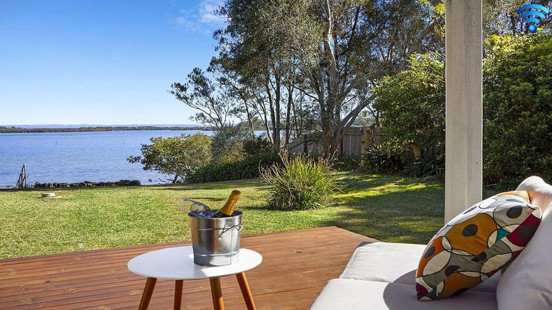 Braeside - waterfront and fireplace, holiday rental in Shoalhaven Heads