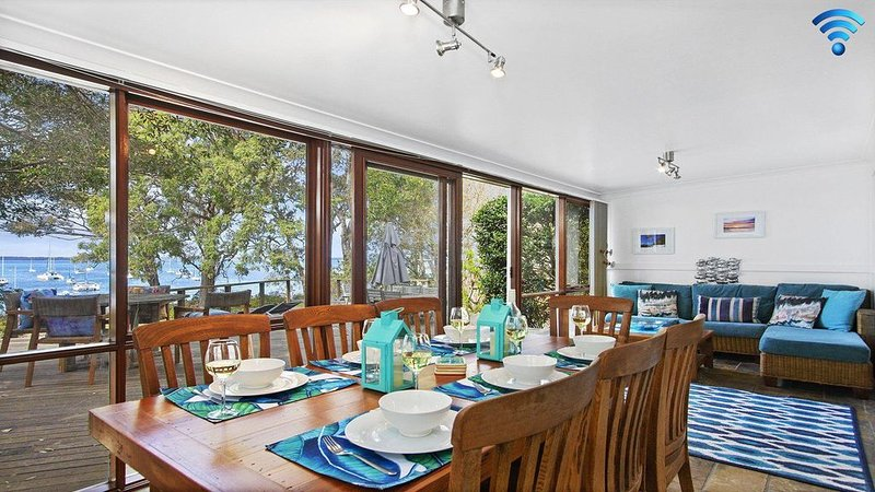 Bay Cottage - paradise on the bay, holiday rental in Callala Bay