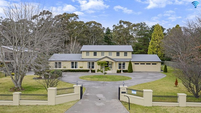 Camelot - February Special!, holiday rental in Mittagong