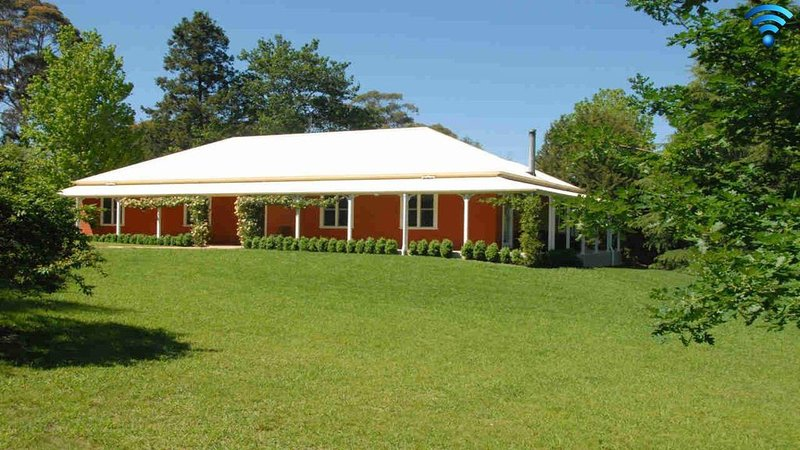 Redhaven House - spacious, quiet and private, holiday rental in Bundanoon