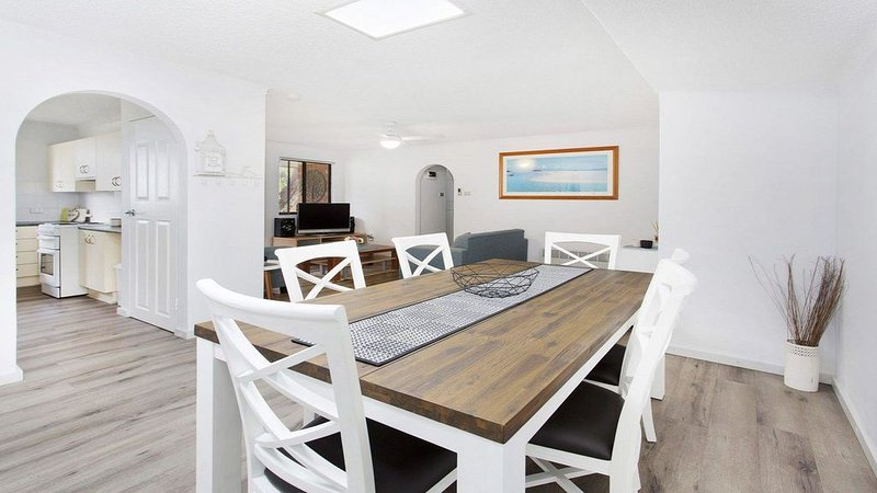 My Coastal Getaway - SPECIAL OFFER-pay for 2 nights, 3rd 1/2 price!, holiday rental in Kiama