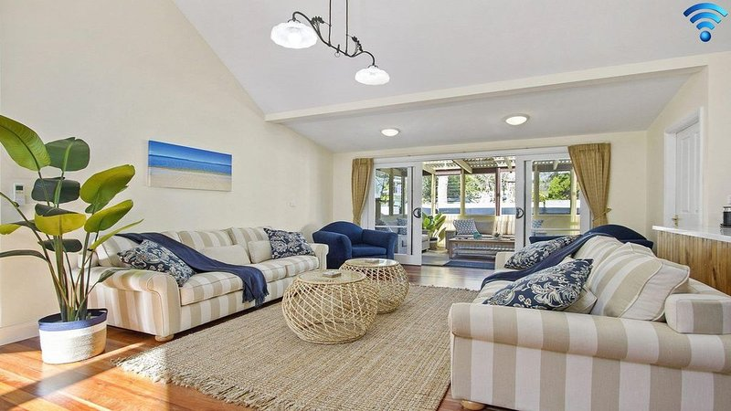 Sandy Shores - character, charm and outdoor spa, holiday rental in Callala Bay