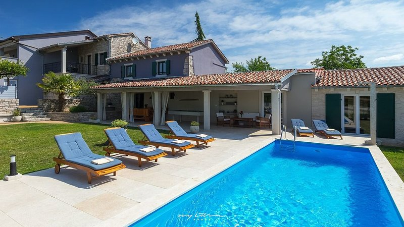 Idyllic villa with private pool in Central Istria, holiday rental in Zabrezani