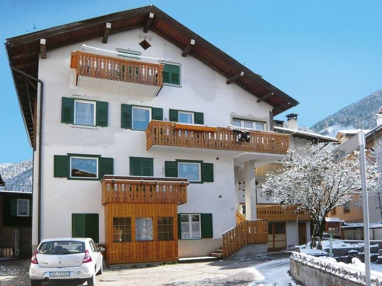 Ferienwohnung Deluca (PFS465) in Pozza di Fassa - 8 Personen, 4 Schlafzimmer, vacation rental in Pera di Fassa