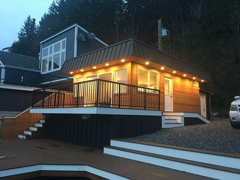 Dreamlike Lakefront Cabin on Lake Sutherland, vacation rental in Joyce