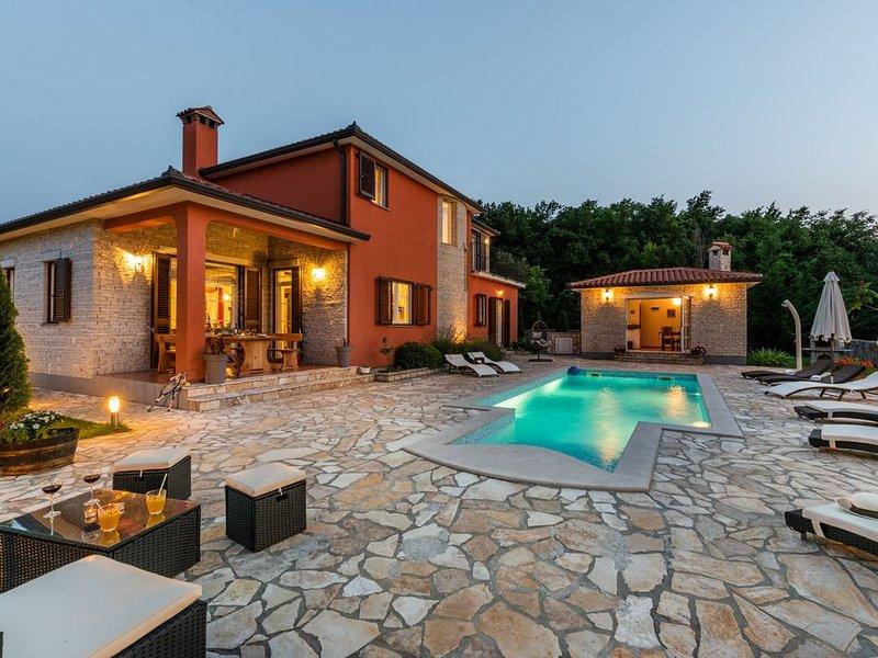 Luxuriöse Villa nur minuten vom Strand, alquiler vacacional en Labin