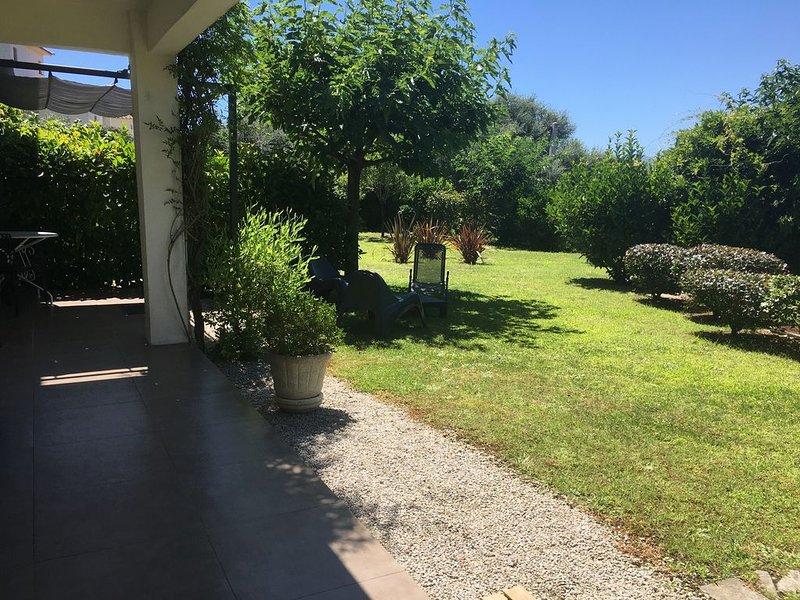 F2, calme et confort, proche mer et plages Porticcio, Ajaccio idéale pour couple, holiday rental in Cuttoli-Corticchiato