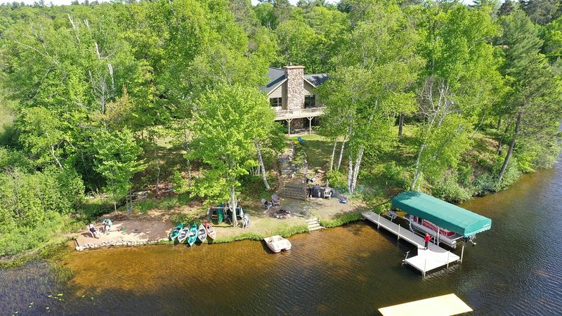 Stunning 180 degree views from Gresham Retreat's 520 ft of private lakefront, holiday rental in Arbor Vitae