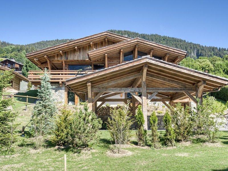 CHALET GRAND PARADIS, confort, raffinement, 7 chbres, cinéma, SPA, proche centre, alquiler vacacional en Megève