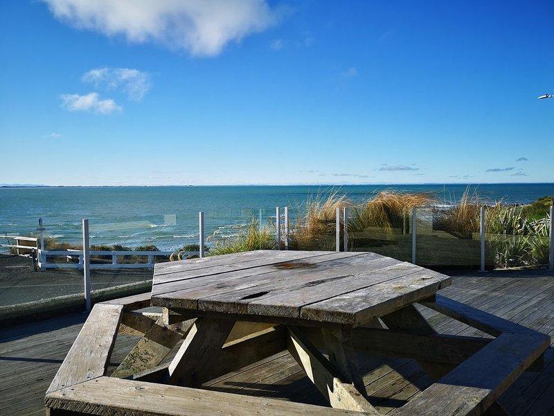 Best Waterfront Deck in Riverton, alquiler de vacaciones en Invercargill