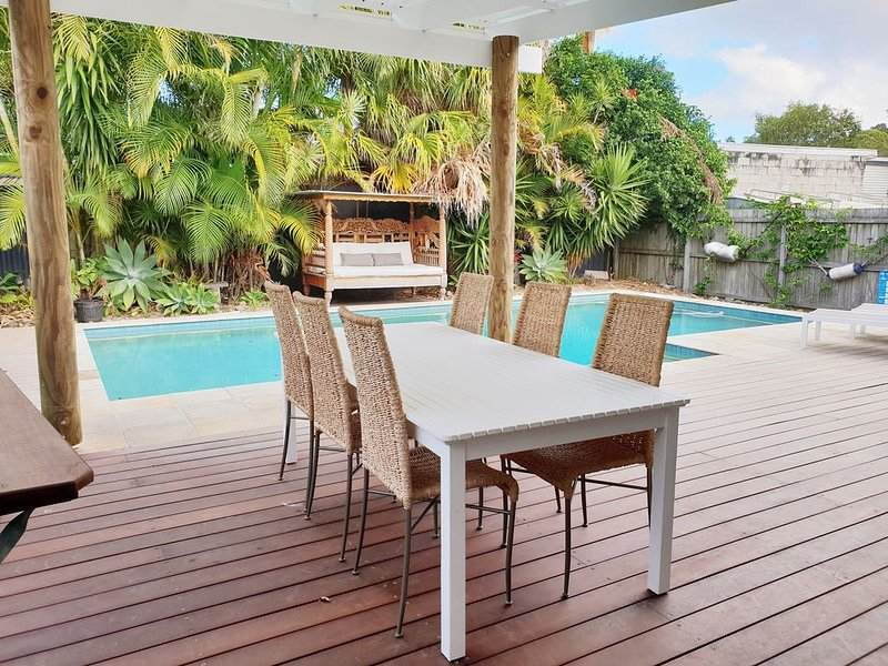Blissful Yamba with private pool, holiday rental in Maclean