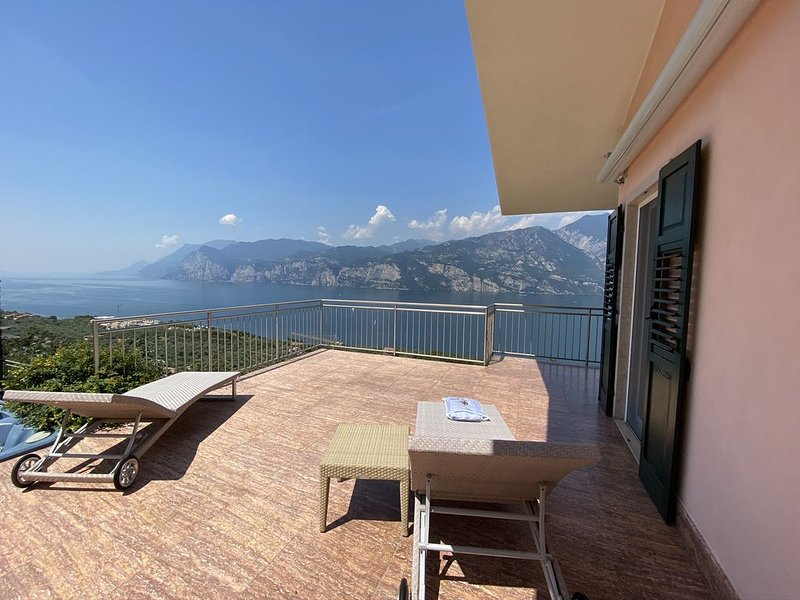 villetta with great view, holiday rental in Limone sul Garda