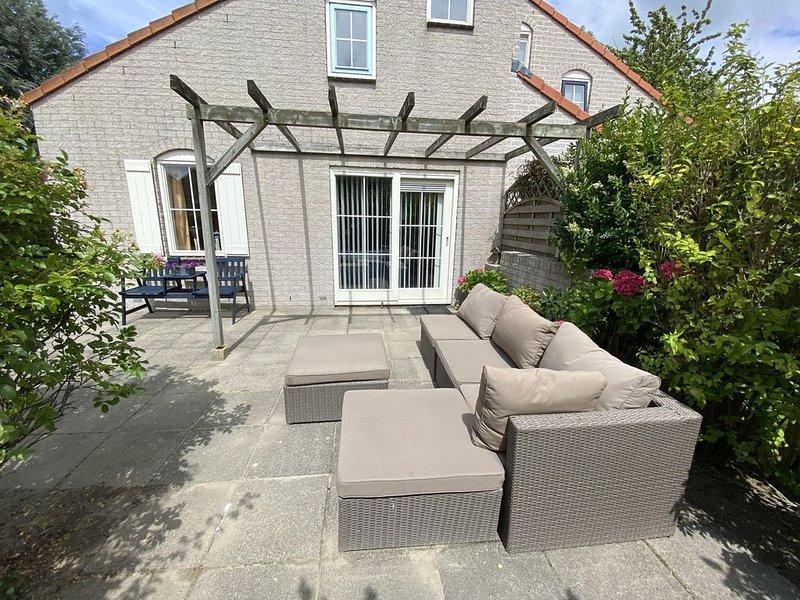 Ferienhaus am Grevelingenmeer, schöne und ruhige Lage, Hunde erlaubt, WLAN, holiday rental in Brouwershaven