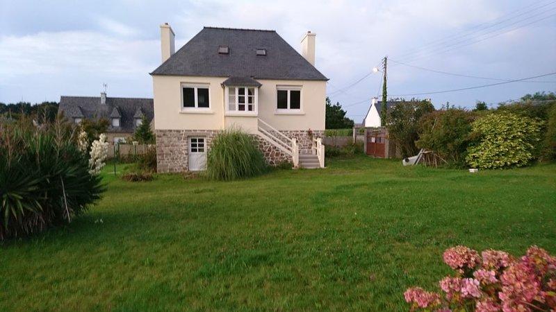 Petite villa de charme à la mer, vacation rental in Saint-Jean-du-Doigt