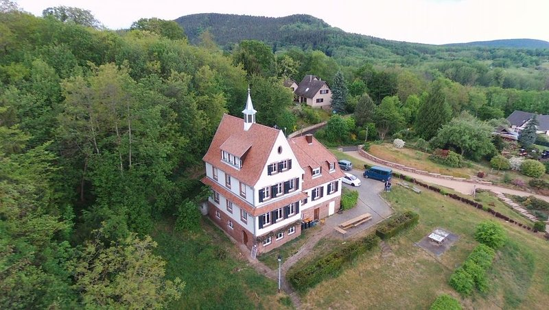 Votre maison de vacances au coeur des Vosges du Nord, casa vacanza a Lichtenberg