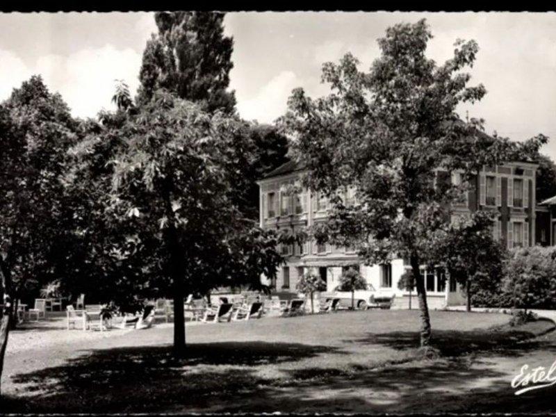 STUDIO PLEIN CENTRE., casa vacanza a Nogent-le-Roi