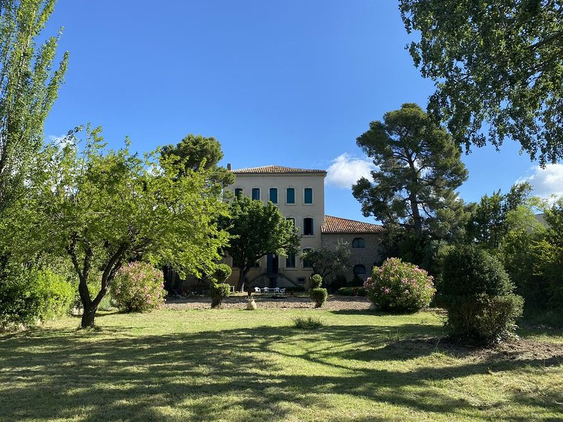 Maison avec parc à 27km de Carcassonne et sa cité médiévale, location de vacances à Siran