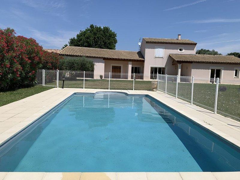 Maison avec piscine privative, location de vacances à Suze-la-Rousse