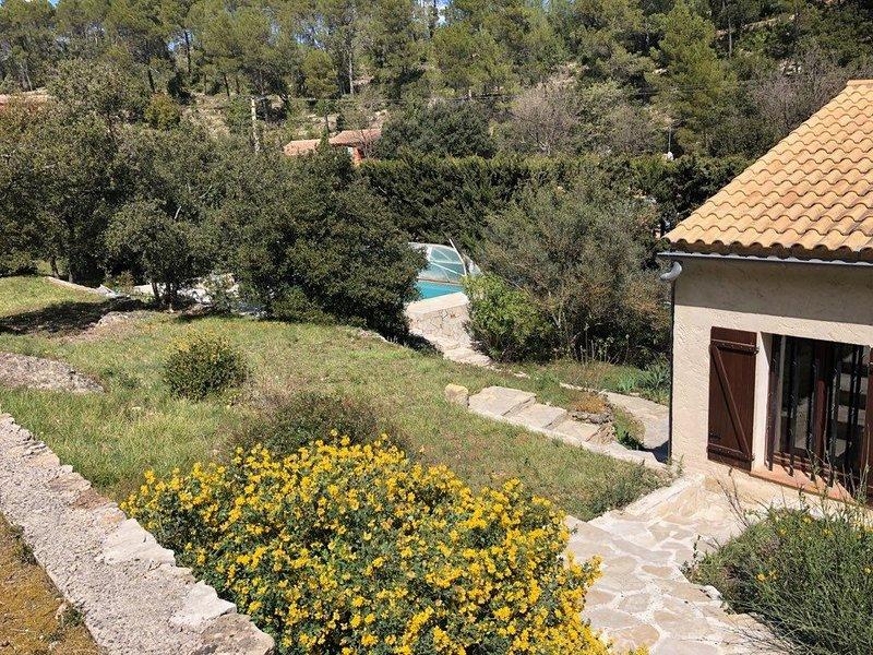 Villa avec Piscine en Provence Verte, casa vacanza a Vins-sur-Caramy