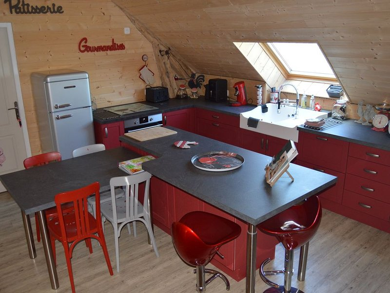 Gîte maison individuelle campagne + terrasse, parking privé- 6 adultes+2 enfants, location de vacances à Monthodon