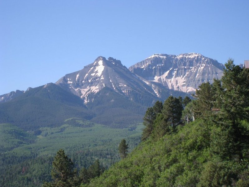 Secluded Mountain Home, Two Master Suites, holiday rental in Ridgway