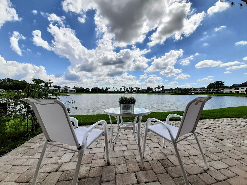 Stunning view Contemporary 2B/2B Condo Saddlebrook, holiday rental in Trilby