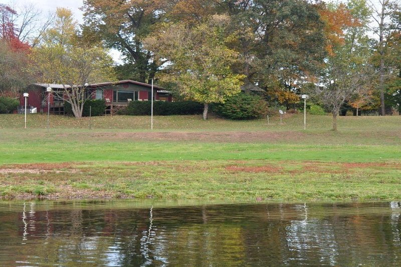 Private House with White River Frontage and Trophy Trout, holiday rental in Gassville
