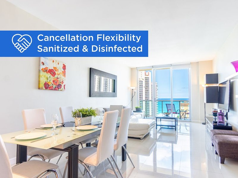 Penthouse condo with amazing ocean & park views | WIFI + Parking, location de vacances à Sunny Isles Beach