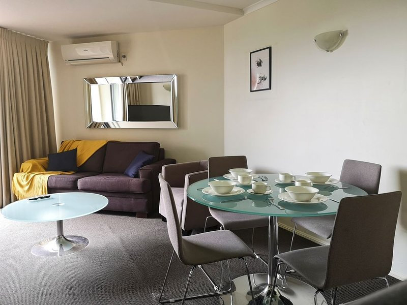 South Brisbane Central 1Bed Cosy Unit, holiday rental in Indooroopilly