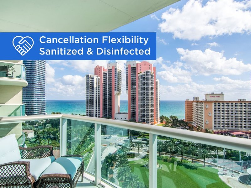 Fully renovated condo w/ ocean views. WiFi, parking, tennis, park and more!, location de vacances à Sunny Isles Beach