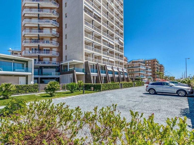 Delightful Apartment in Arma di Taggia near Sea and Casino, vacation rental in Arma di Taggia