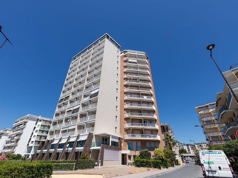 Scenic Apartment in Arma di Taggia near Sea and Casino, vacation rental in Arma di Taggia