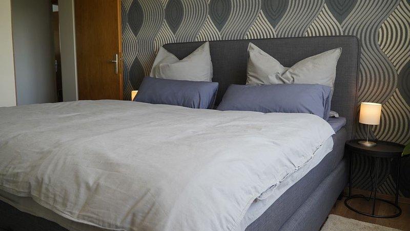Ferienwohnung mit Terrasse und Grill, 75qm, 2 Schlafzimmer, max. 5 Personen, holiday rental in Wasserburg