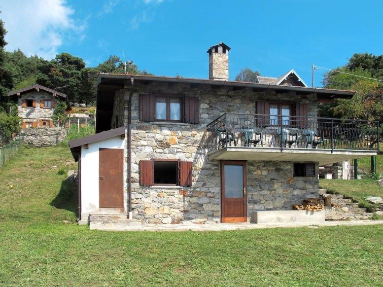 Ferienhaus Betta (GLA404) in Gera Lario - 6 Personen, 3 Schlafzimmer, holiday rental in Dascio
