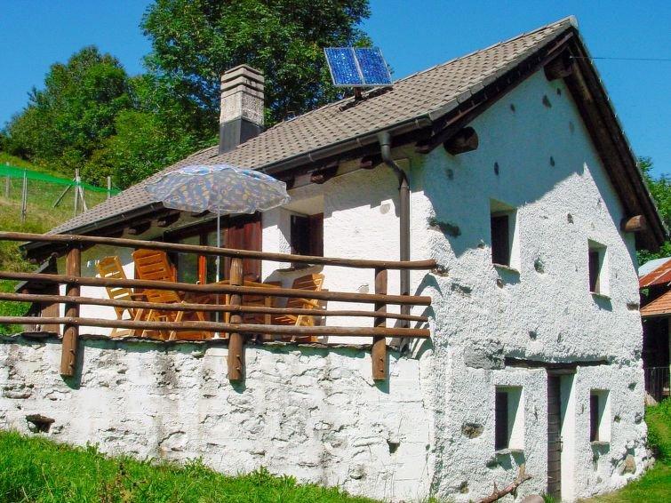 Ferienhaus Girasole (LTC157) in Leontica - 4 Personen, 1 Schlafzimmer, holiday rental in Canton of Ticino