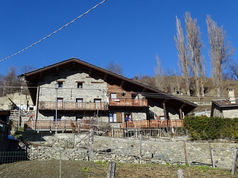 La tranquillité et la détente des Alpes de la Vallée d'Aoste, holiday rental in Saint-Rhemy-en-Bosses