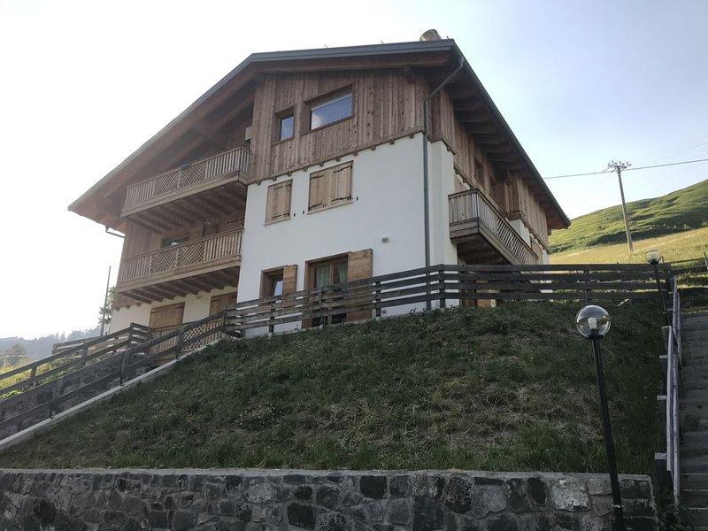 Sunny Arabba Apartment, Ferienwohnung in La Villa