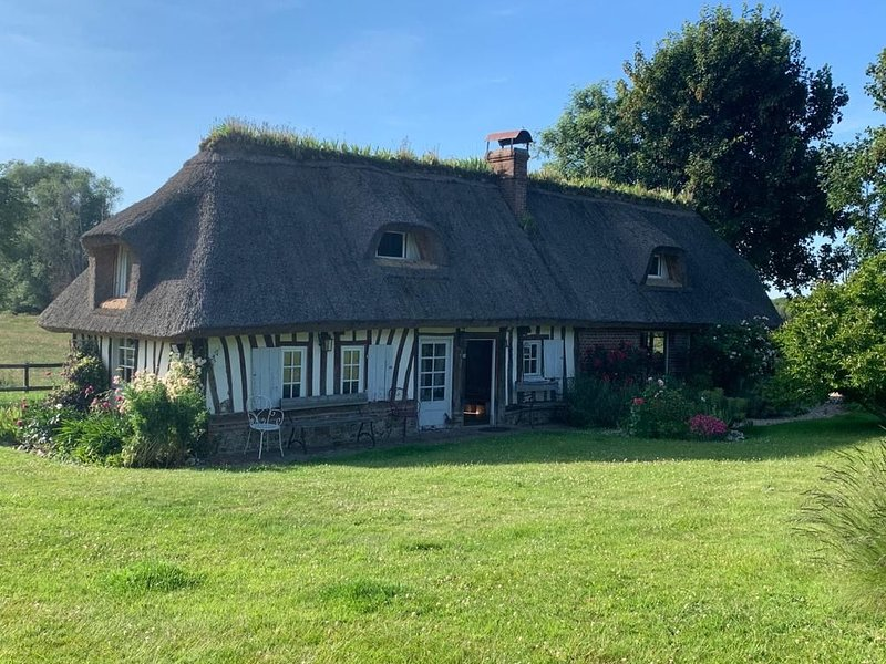 2 Chaumières ravissantes, vacation rental in Pont-Audemer