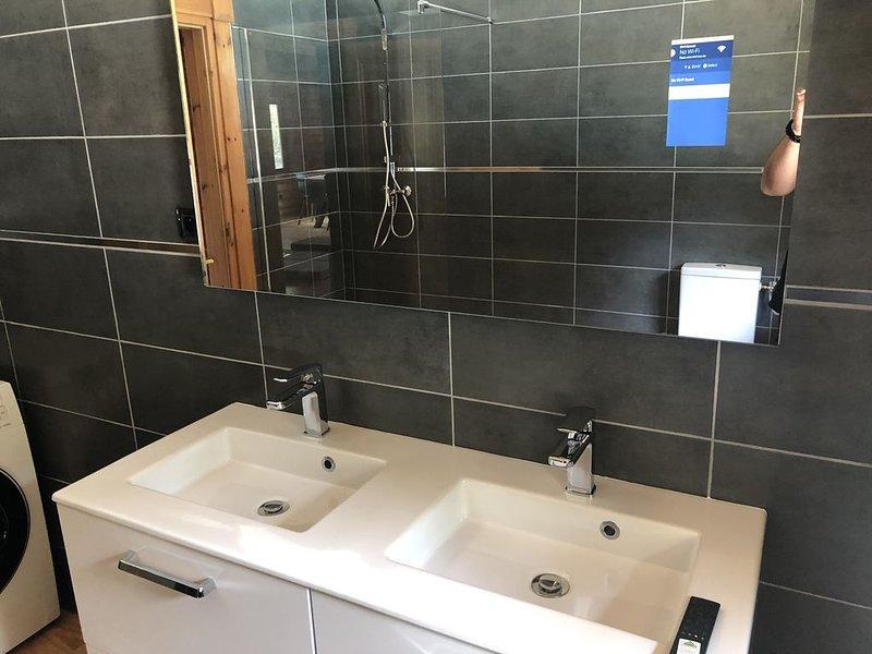 Maison piscine chauffée A Santa guilia, holiday rental in Pietra Longa Salvini