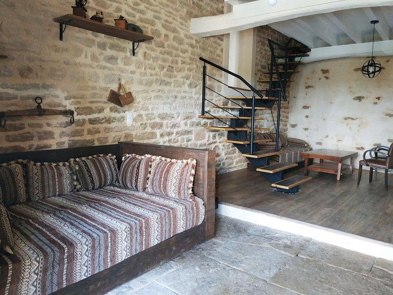 Gîte Terra loft, verger-potager, poulailler, vue sur la vallée, route des vins., location de vacances à La Bussière-sur-Ouche