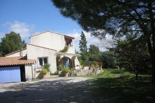 Villa provençale,avec piscine à Rognes, près d'aix en Provence et du Luberon, holiday rental in Rognes