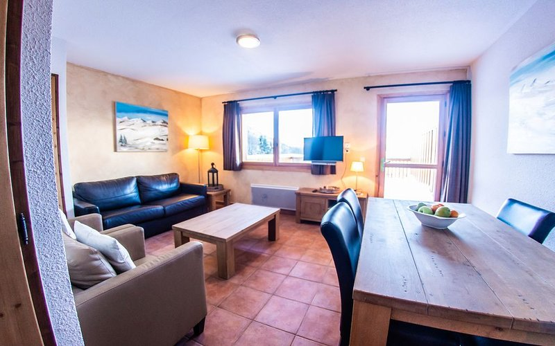 Apartment for 2 to 4 people with unique ski in & out in the center of Saint Fran, vacation rental in Saint Francois Longchamp