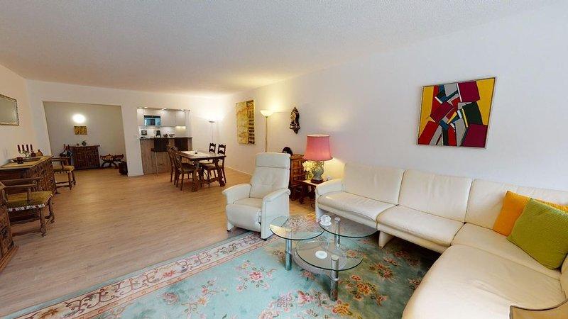 Geräumige, sehr wohnliche Ferienresidenz mit fantastischer Aussicht, location de vacances à Engadin St. Moritz