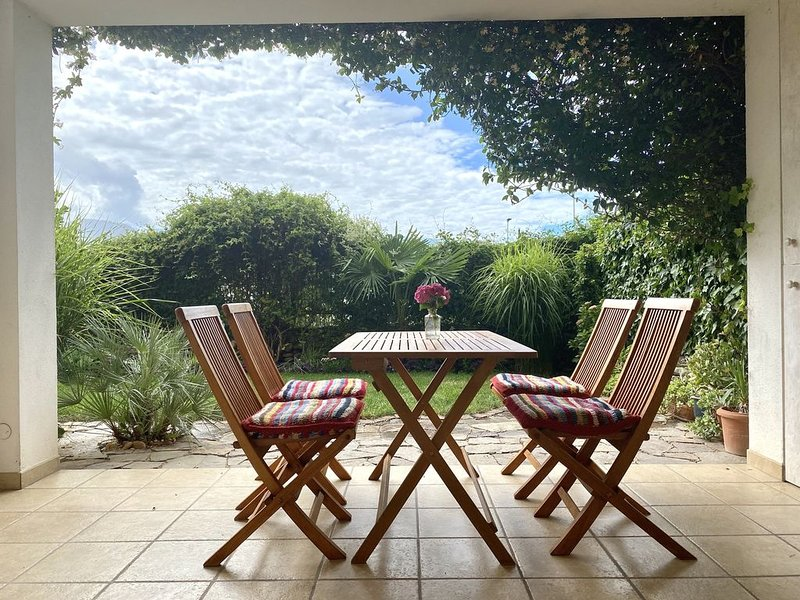 Appartamento con giardino recintato in posizione centrale-cani benvenuti, casa vacanza a Naturno