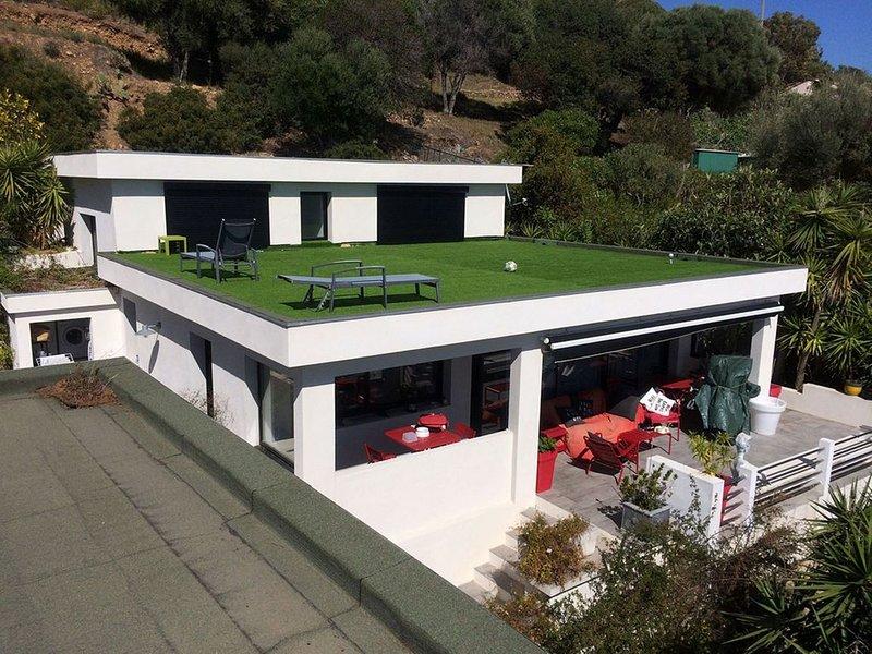 Belle villa avec toit terrasse offrant une vue incroyable sur les Sanguinaires, vacation rental in Villanova