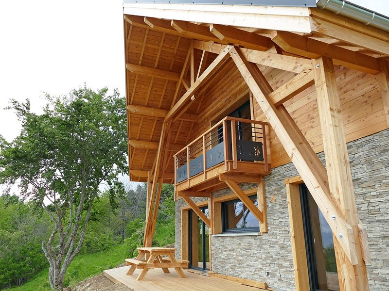 Chalet Le Verdonne vue panoramique, holiday rental in Saint-Leger-les-Melezes